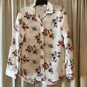 Abercrombie and Fitch beautiful dressy blouse.